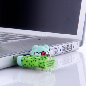 "memoria usb pendrive mimobot hello kitty ""fun in fields"" / 2GB :: imagen 4"