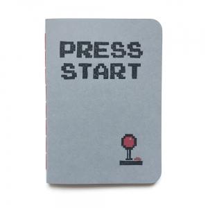 """cuaderno de tapa blanda (cosido visto) """"press start"""" hojas en blanco / gris claro / 10 x 14 cm"""
